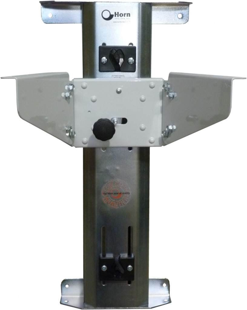 Horn Rear mounted air lifter front view